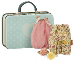 Maileg Walizka z ubrankami - Suitcase with 2 Dresses for Girls, Micro